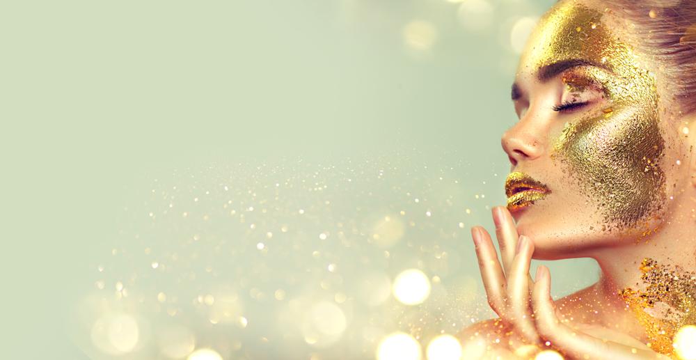 vrouw met golden glow! Mooie stralende huid